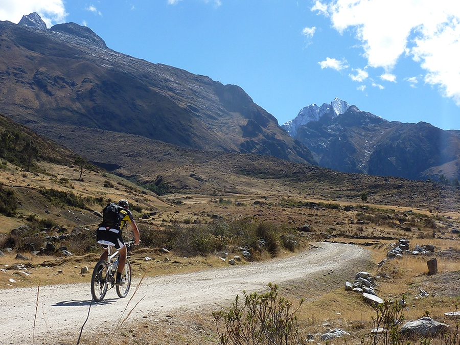 Mountain Biking Cordillera Blanca